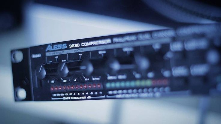 Alesis 3630! I'm gonna put this to so much use! It's gonna get fed up with me! https://www.instagram.com/thedaydreamsound/