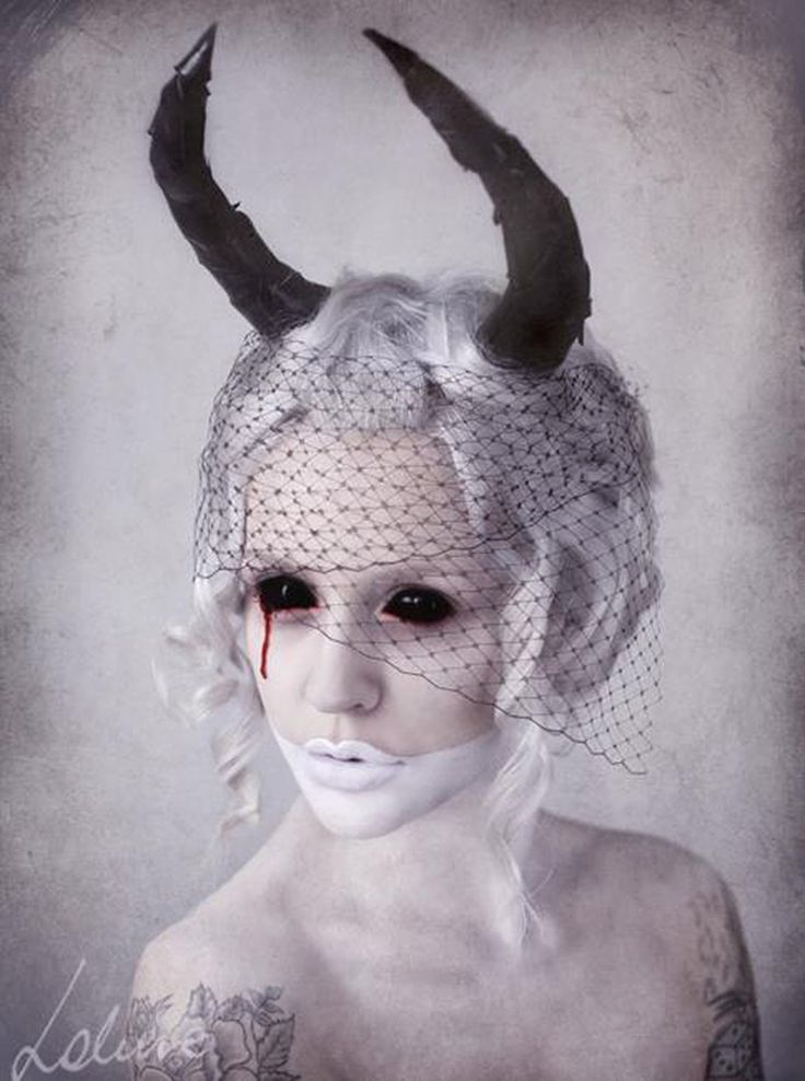 The Magnificently Macabre Photography of Miss Lakune. - if it's hip, it's here