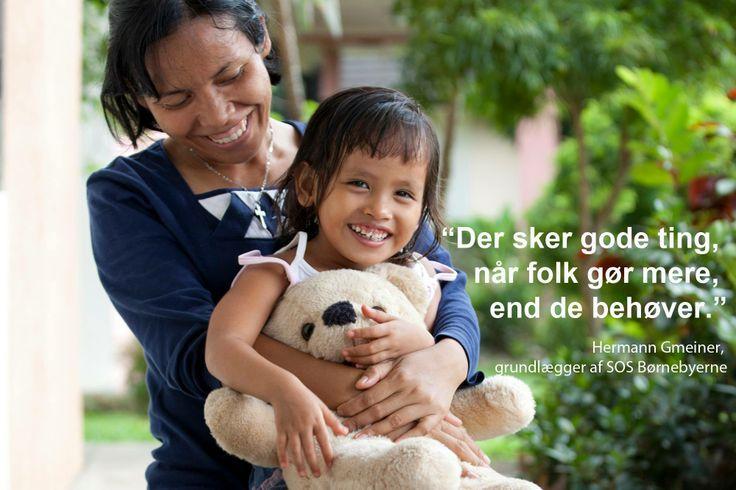 SOS-mor og barn i børnebyen Medan i Indonesien.  #familie #mor #SOSmor