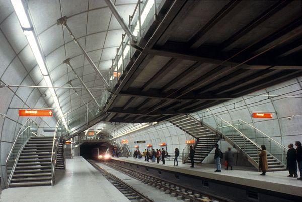 Metro de Bilbao - Sir Norman Foster