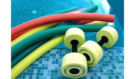 Aquatic therapy may promote cartilage health and improve physical fitness among postmenopausal women with mild knee osteoarthritis, according to a new study.