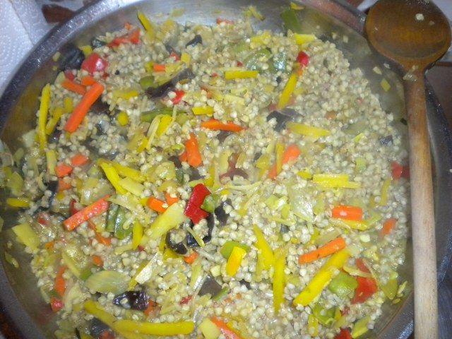 Spadellata di grano saraceno con verdurine alla julienne