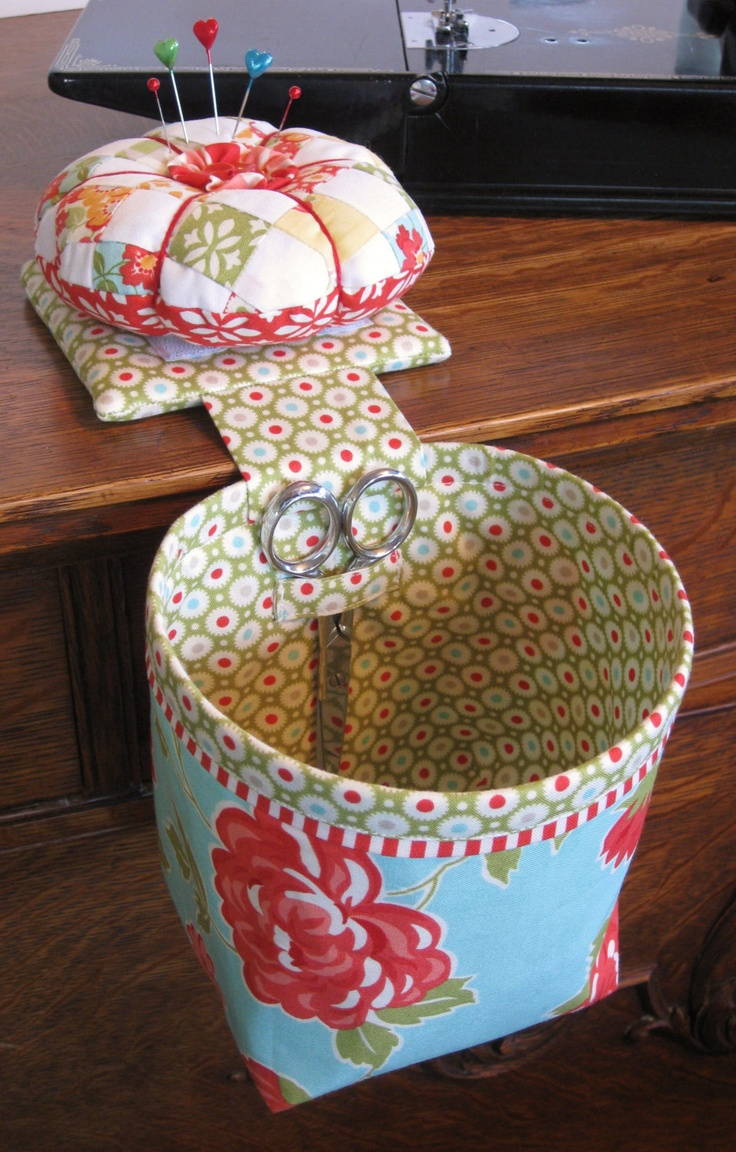 Sew In Style Thread Catcher with Detachable Pincushion