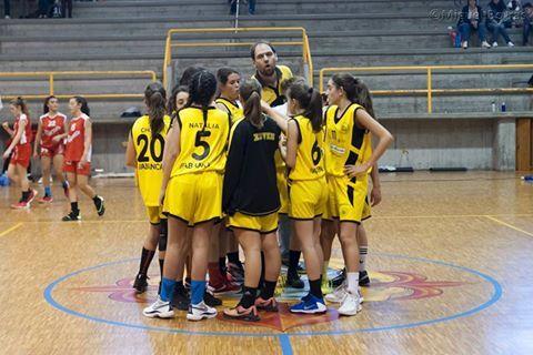 Cadete femenino Maristas Coruña 72 - Top Ventana Xuven 47
