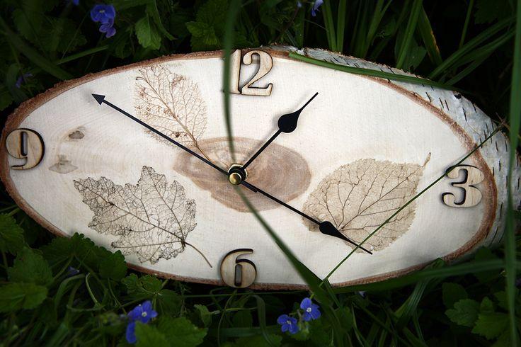 Часы настенные на спиле березы. (продаются)