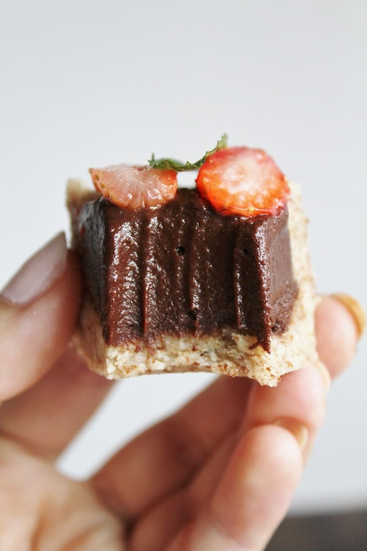 This Rawsome Vegan Life: strawberry and chocolate buttercream tart.   @andwhatelse