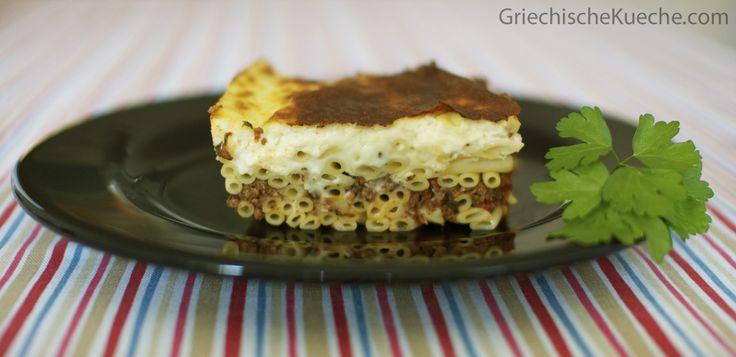 Zusammen mit Moussaka gehört Pastizio zu den belibtesten griechischen Aufläufen. Die Zubereitung ist etwas aufwendiger, aber das Gericht wird Sie mit Sicherheit entschädigen. Am besten nehmen Sie f…