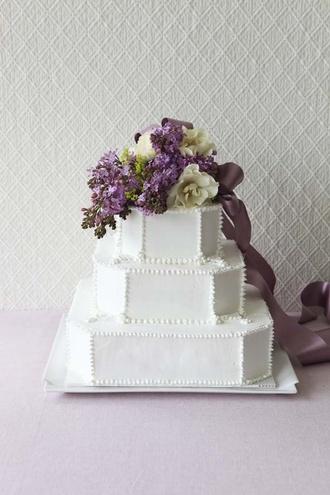 St RAPHAEL CHAPEL GINZA(セント・ラファエロチャペル銀座) ウェディングケーキ wedding cake white purple