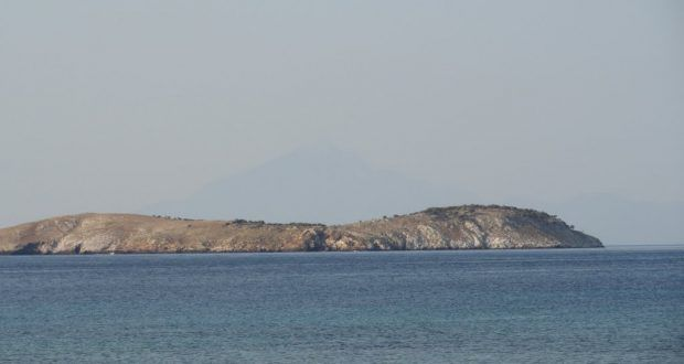 Gov't Explores Ways to Populate Greek Islets Against Turkish Claims.