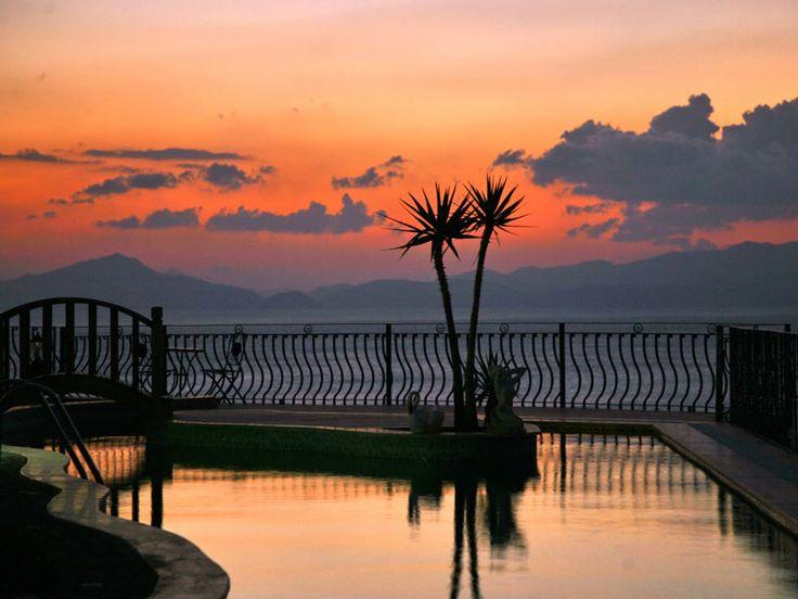 Datca Villa Asina in Turkije, elke avond genieten van een prachtig fonkelende Egeïsche Zee bij zonsondergang.