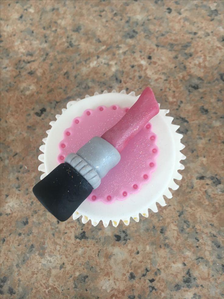 Lipstick cupcake