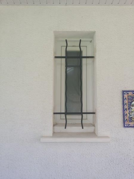 Grille de défense de la fenêtre des wcs