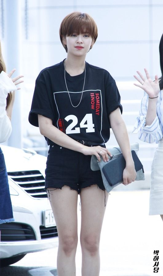 #twice, #jeongyeon, #airport, #fashion