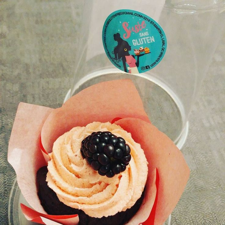 Just discovered these gluten free cupcakes @susieglutenfree ! #cupcakes #glutenfree #yummy #thanks Nice meeting you!!