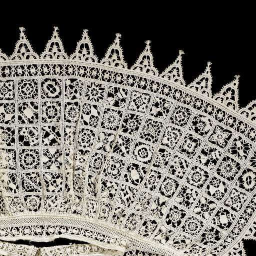 Kraag samengesteld uit panelen reticella naaldkant, anoniem, 1600 linnen naaldkant, l 64cm. More details
