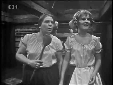 Tři přadleny (1967, čb) - YouTube