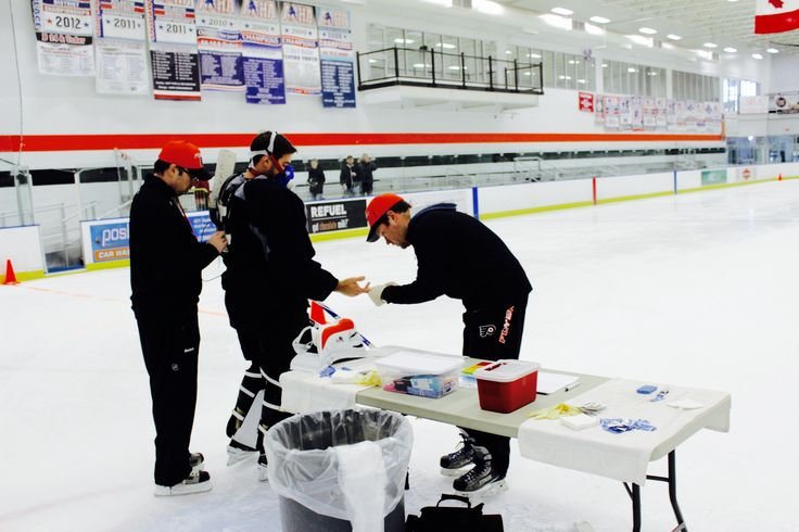Testing session for athletes of Philadelphia Flyers ice hockey team (US National Hockey League). VO2max and functional capacity tests performed wearing COSMED K4b2 metabolic system.