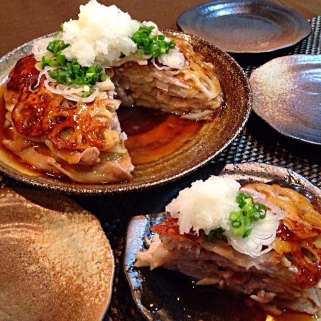 """ぜったい絶対美味しいと 思ったぁ〜一目惚れ♡ ˛˛೭(˵¯̴͒ꇴ¯̴͒˵)౨""""  お昼食べた お蕎麦の おつゆが残ってたから それで餡にしました。  くうちゃんさん♡ 美味しいレシピ٩(◜ᴗ◝ )۶  ありがとうございます〜 サクサク美味しかったです〜 - 401件のもぐもぐ - くうちゃんさんの٩(◜ᴗ◝ )۶ お料理 蓮根と豚肉のミルフィーユ♡ by ランランらぁ〜ん"""