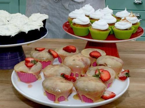 Ronnies cupcakes med päron, jordgubbar och citronmaräng