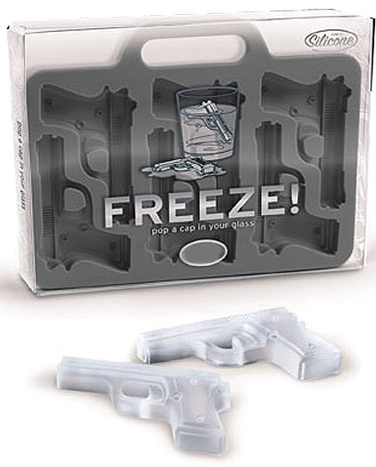 Gun ice cube tray: Freeze Handgun Shap, Gifts Ideas, Guns Ice, Ice Trays, Ice Cube Trays, Things, Products, Handgun Shap Ice Cubs, Ice Cubes Trays