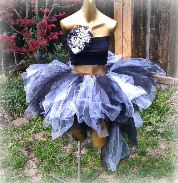 love love love <3 <3 <3  Adult tutu, gothic tutu, rave raver tutu, white and black tutu skirt, steampunk clothes, Burlesque clothes,