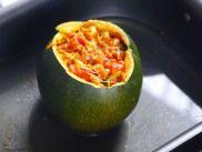 Gefüllter Kürbis mit Barilla Pesto Rustico mediterranes Gemüse