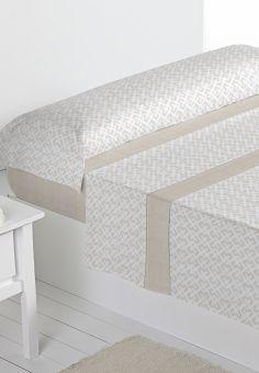 Juego sábanas de franela Oslo en color beige, de Barceló Hogar. #barcelohogar, #barcelo, #sabana, #dormitorio, #casa, #textilhogar, #camas, #sabanasfranela, #ropa, #decor, #otoñoinvierno2016, #franela, #invierno, #hogares