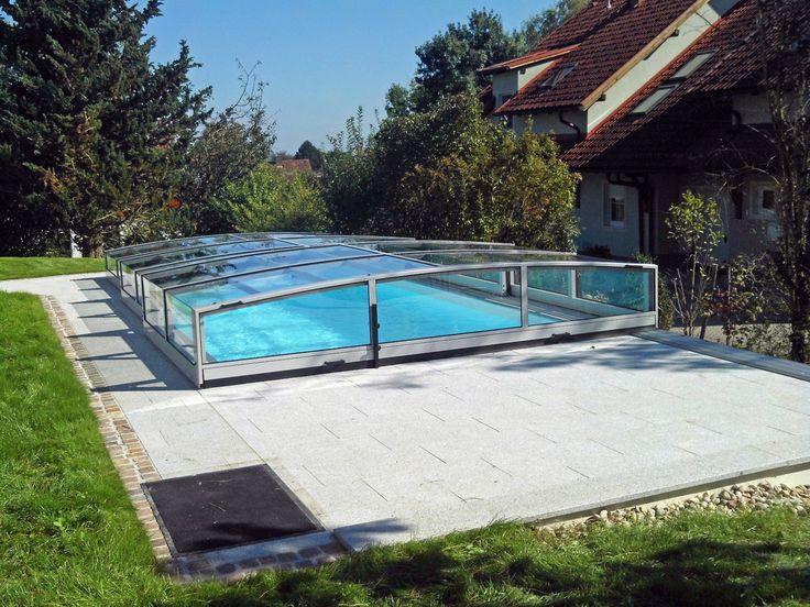 Bazénový kryt vám ušetří spoustu práce s čištěním bazénu a také množství čisticích prostředků.