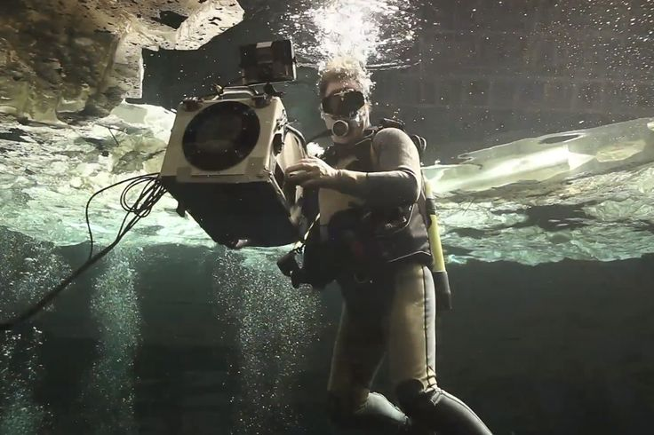 James Bond's Skyfall Movie Previews Some Epic Underwater Scenes. film and water DO NOT mix well. almost drowned trynna get surf footage one time. this set up is way more legit though. haha.