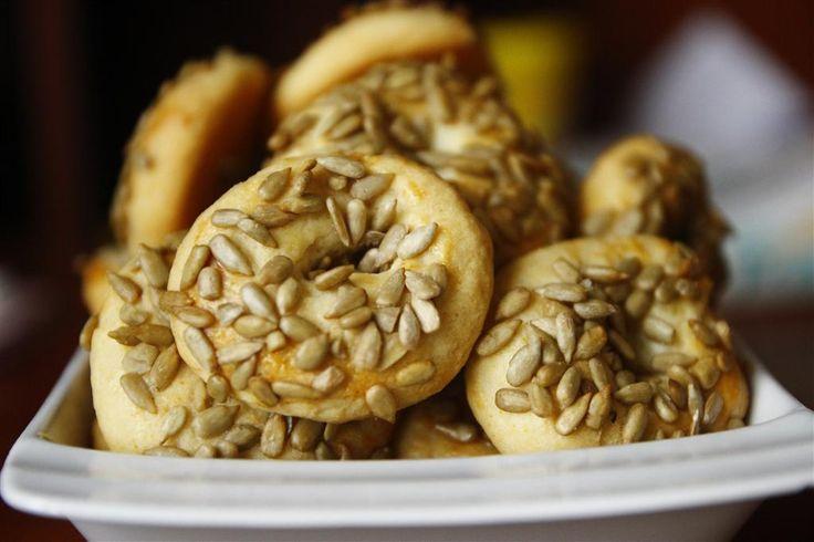Bu kurabiyeler bir harika ! diyet bozduran cinsten minik tuzlular, çok ama çok kolay bir şekilde hazırlanıyor, görüntüleri de şahane ama değil mi :) Bana diyeti bozdurdular size bu kadarını söyleye…