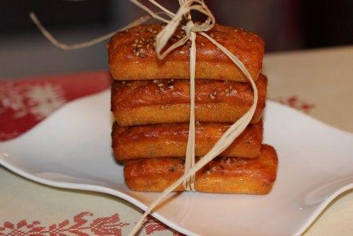 Des petits cakes à déguster pour l'apéritif, vous pouvez y ajouter qqs olives ou qqs tomates confites, ils seront encore meilleurs ! Côté marché : Pour 12 petits cakes Empreintes Mini-cakes réf. FP 2394 100 g de farine 1 sachet de poudre à lever bio 3...