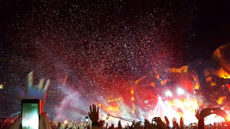 Untold festival #confetti #lightshow #clujnapoca #cluj #romania #transilvania #music
