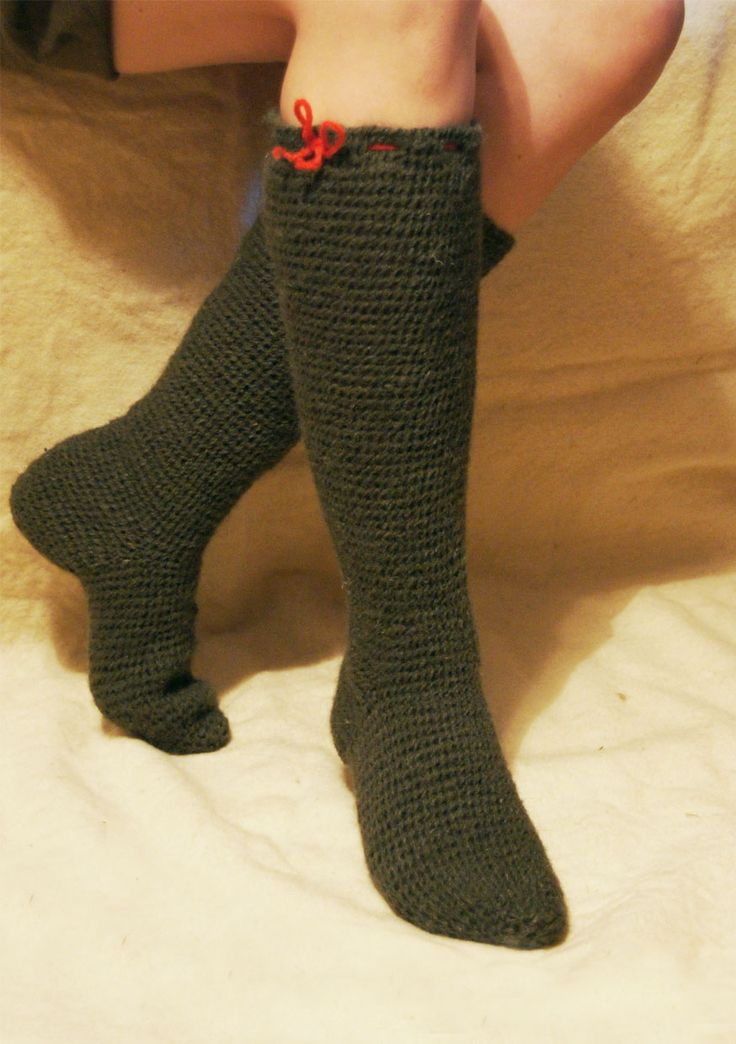 Needlebound / nalbound knee socks, made using Danish stitch, by unknown creator.