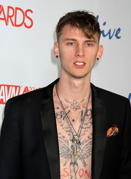 Amber Rose Moves On From Wiz Khalifa with Machine Gun Kelly: Talks About Dating New Young Rapper