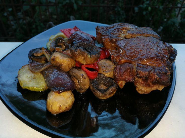 Când am chef de ceva bun-bun (vorba Aniei), rapid și sănătos la masa de seară fac această mega cină delicioasă. Nu e vreo complicăciune de rețetă, dar fiind