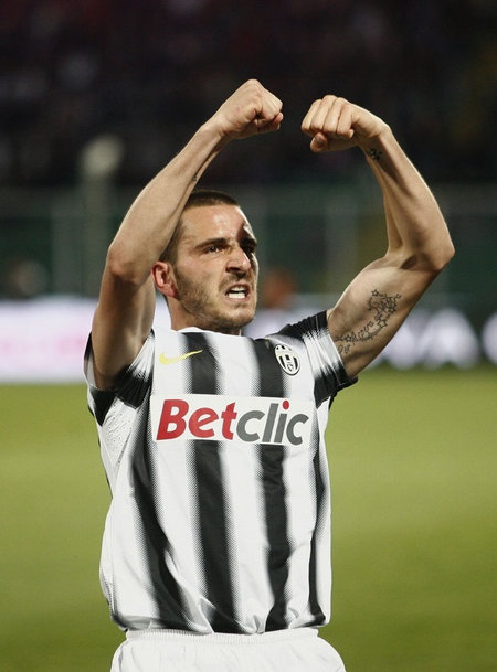 Selebrasi Leonardo Bonucci usai mencetak gol memanfaatkan tendangan sudut Andrea Pirlo
