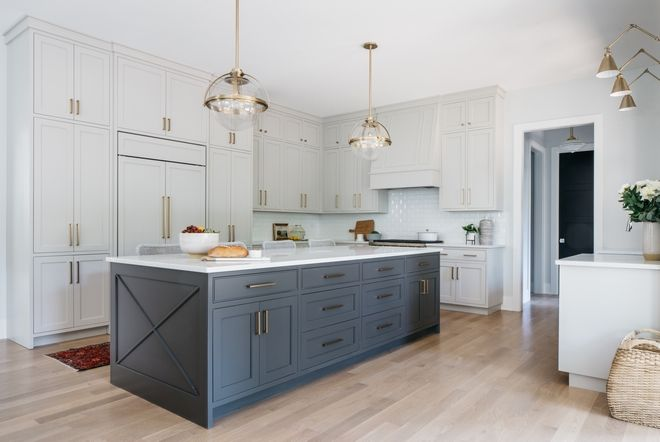Grey Kitchen Ideas This Grey Kitchen Is A Show Stopper Light Grey Cabinets Are Beautifully Complemented B In 2020 Kitchen Inspirations Kitchen Decor Top Kitchen Trends