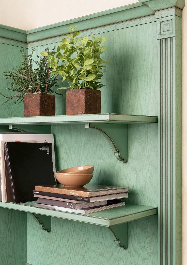 Elegantní stylová kuchyně Avignon v provedení dub zelená patina. Rustikální police dotvoří vzhled této stylové kuchyně.