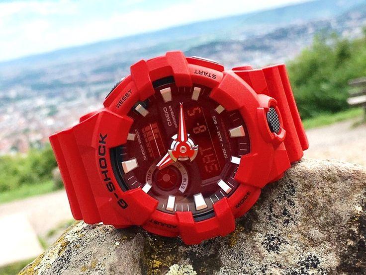Einer G-Shock Uhr von Casio kann so schnell nichts passieren. Die robusten Uhren halten einiges aus. Für Outdoor-Fans sind die Casio Armbanduhren deshalb perfekt geeignet. Wie die knallige Farbe dieser Casio Uhr zeigt, ist eine G-Shock auch ein lässiges Accessoire zum angesagten Streetwear-Look.   Hier geht es zu den G-Shock Uhren im uhrcenter Onlineshop: https://www.uhrcenter.de/uhren/casio/g-shock/  #Casio #GShock #Streetwear #rot #robust #Uhr #watch #uhrcenter #Fashion #Lifestyle #Style