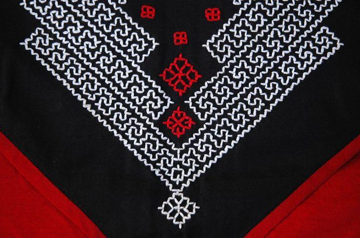 Kantha,Kasuti : Samples of Ancient Indian Embroideries - MRIDULA NAGARAJAN - Picasa Web Albums