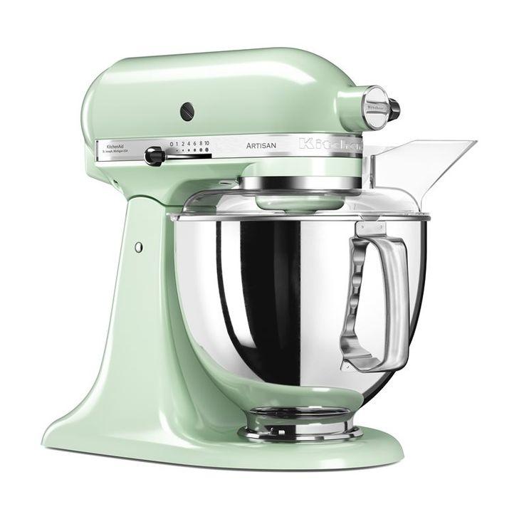 Altijd al een persoonlijke souschef gewild? De KitchenAid Artisan Mixer is een ontzettend solide alleskunner die ook nog eens super gemakkelijk in het gebruik is. Deze keukenhulp voert zowel de fijne als krachtige taken met verve uit!