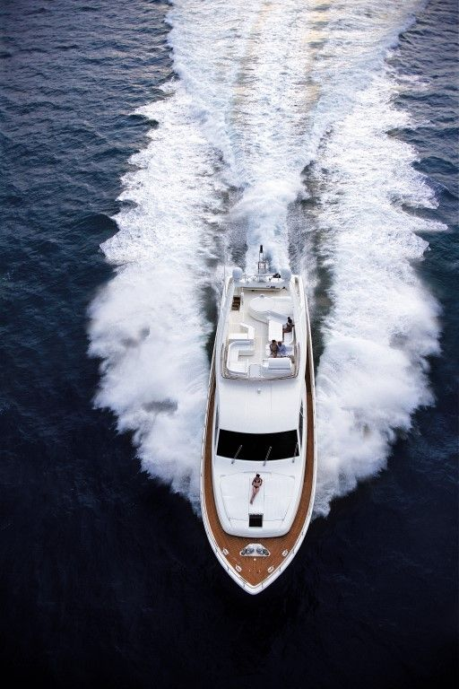 DAY OFF | Luxury Yacht Charters
