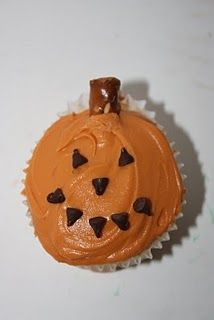 Pumpkin cupcake decor