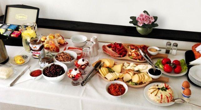 Mancare la conac | Ingrediente naturale | Preparate alese | Food | Breakfast | Natural ingredients | Pleasure | Healthy | Weekend | Conacul Bratescu, Bran, Romania