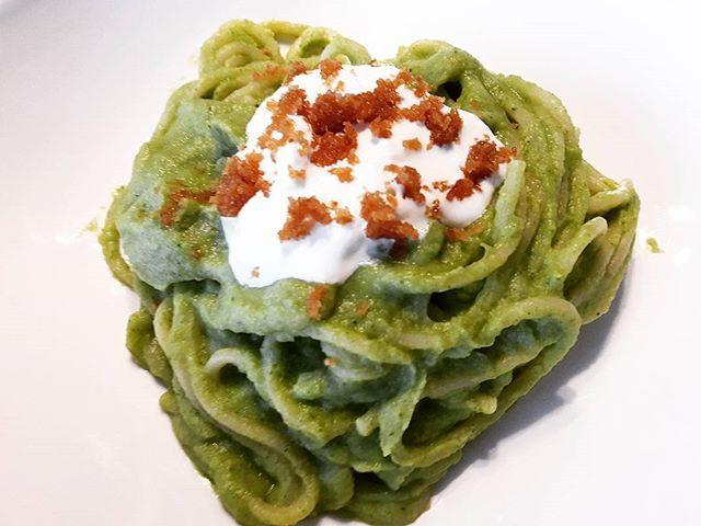 Spaghetti @pasta_felicetti con crema di broccoletti, stracciatella di bufala e briciole croccanti #food #foodlovers #foodlove #foodism #foodie #foodpic #foodporn #foodgasm #foodgram #instagood #instafood #instagram #pasta #felicetti #spaghetti #broccoli #broccoletti #stracciatella #bufala #briciole #crumble #pranzo #lunch #enjoy