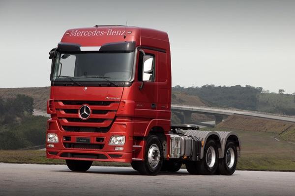 Banco Mercedes-Benz reduz taxa para o Actros   FarolCom