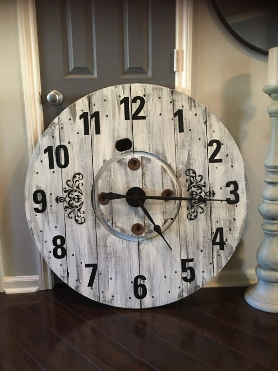 Large Rustic Farmhouse Spool Clock Misc Wire Spool