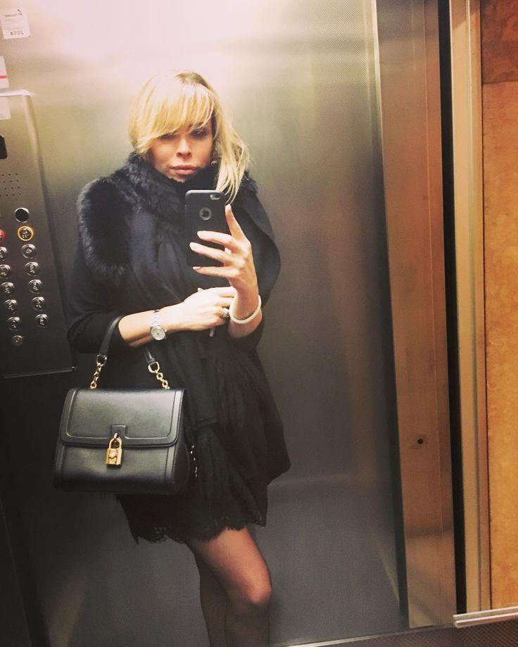 Amarsi è un dono  volersi bene é un dovere  ricordiamoci siamo padroni della nostra vita  e il meglio deve ancora venire !!! buona notte a tutti è un bellissima settimana !!! #pensieropositivo  #futuro #God #happiness  #photooftheday #selfienation  #luxurygirl  #girl  #godbless #TagsForLikes #like4like #italiangirls #brasiliangirl by renatta_rome