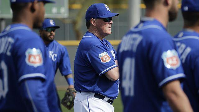 Ejecutivos del béisbol aplauden a los Reales por su plan y su paciencia