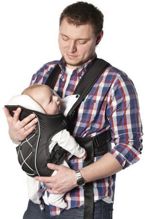 Light черный  — 2399р. ----------------------------------------- Рюкзак-кенгуру Amalfy предназначен для транспортировки малышей от 3 месяцев до 9 кг. Ребенок усаживается внутрь рюкзака, за счет чего руки мамы или папы остаются свободными. Плечевые ремни сумки-кунгуру регулируются, что позволяет выбрать удобное положение как для малыша, так и для родителя. Рюкзак можно одевать на спину или на грудь. Можно усаживать в нем малыша как лицом к родителю, так и лицом к дороге.Боковые стенки рюкзака…